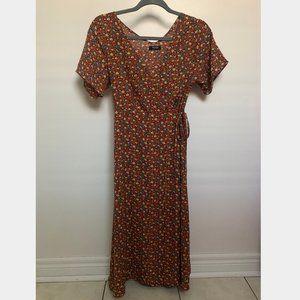 Dresses & Skirts - Floral Wrap Midi Dress